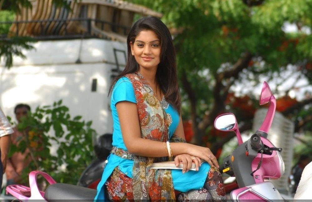 Jayahey film telugu heroine karuna stills