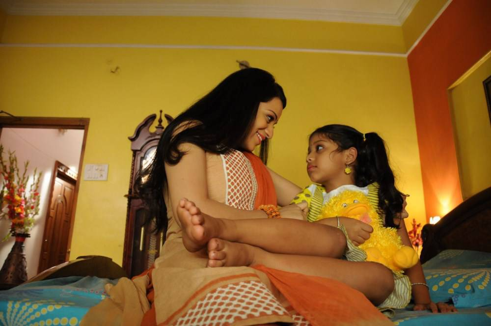 Jeelakarra bellam film reshma photos