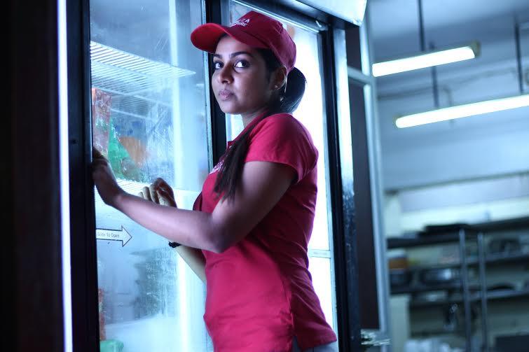 Pichaikaran movie heroine satna titus pictures