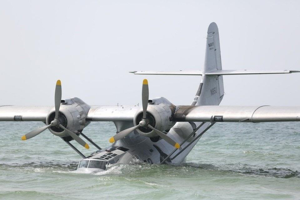 Uss indianapolis men of courage movie flight photos
