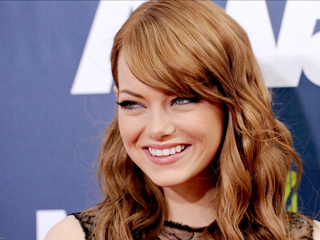Hollywood actress emily stone hd wallpaper