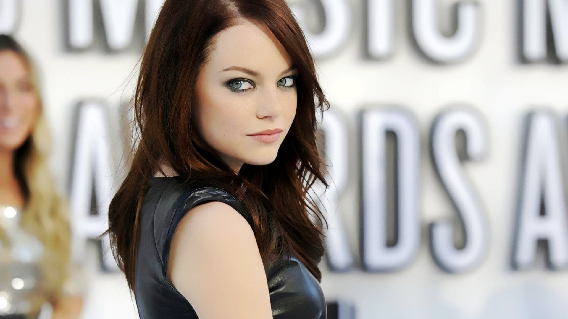 Hollywood actress emily stone pictures