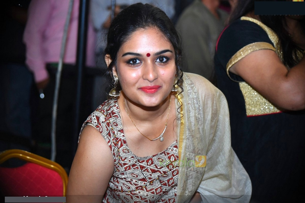 Oru murai vanthu parthaya movie heroine prayaga martin photo