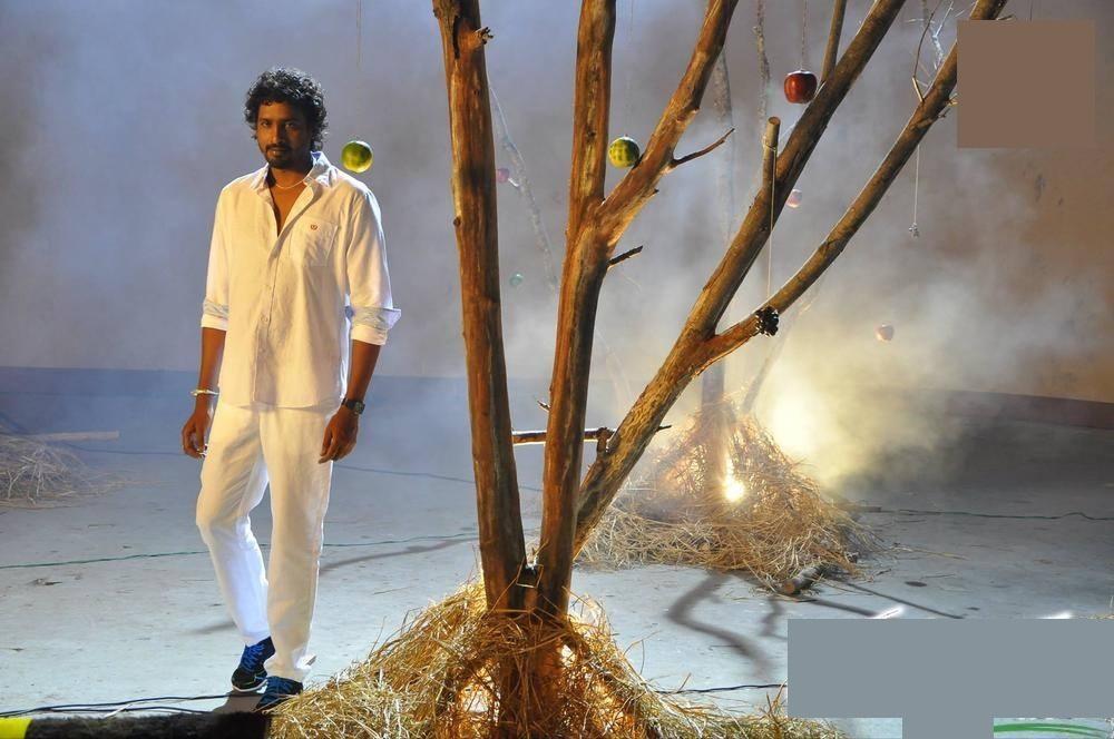 Aa mugguru movie hero actor chanti wallpaper