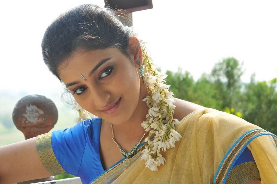 Arddhanaari telugu movie heroine mouryaani wallpaper