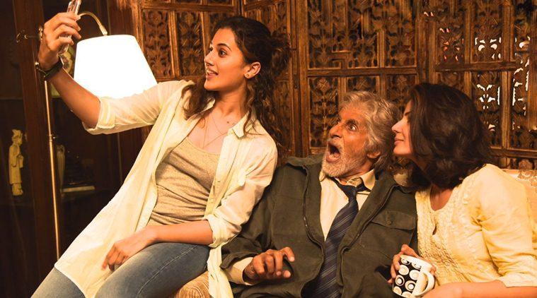 Pink movie actors amitabh bachchan taapsee pannu selfie pict