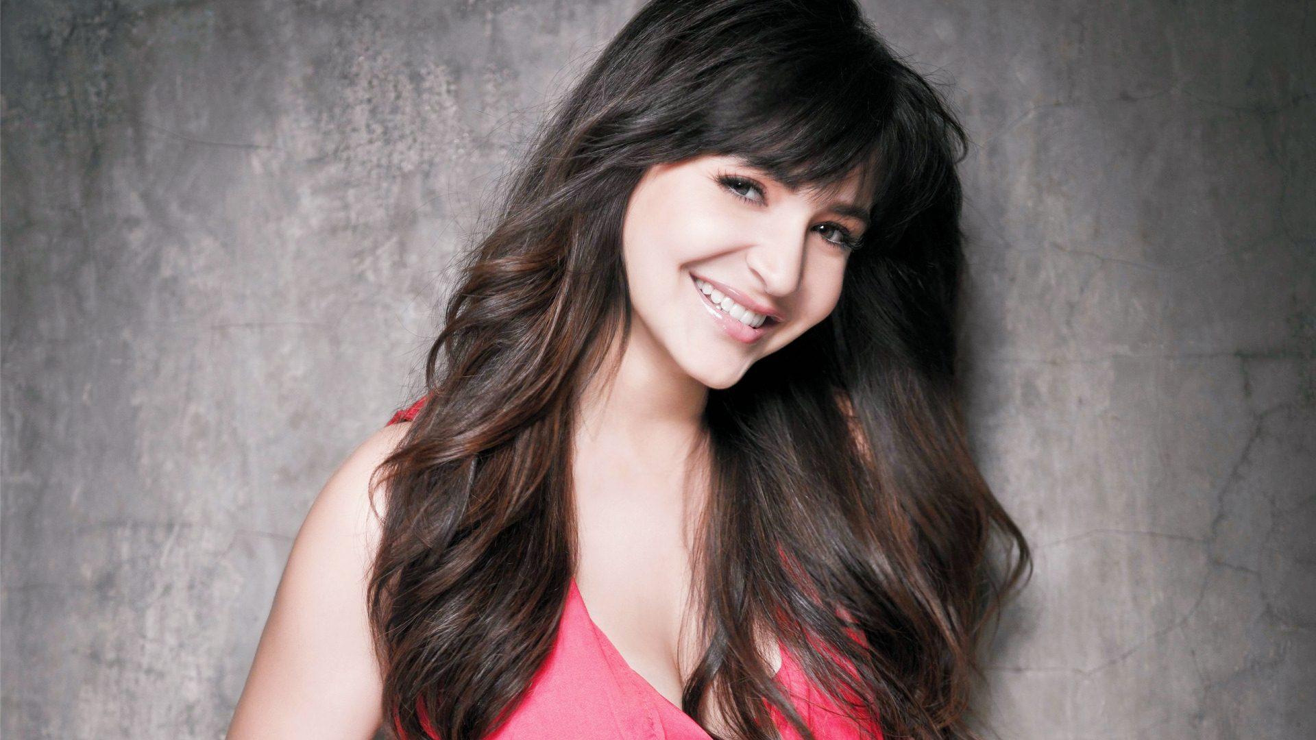 Anushka sharma bollywood actress red dress pictures