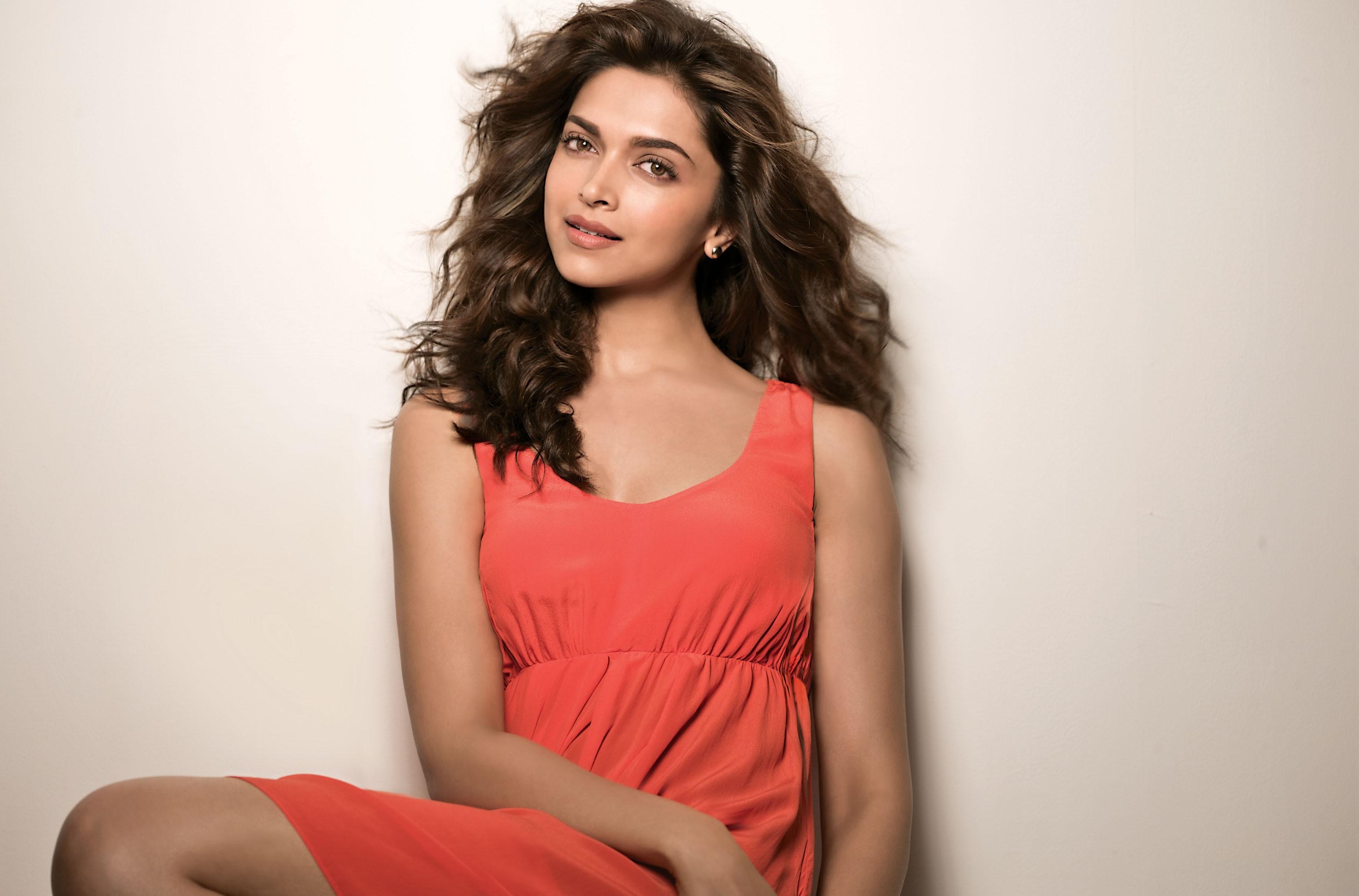 Deepika padukone red dress wallpaper