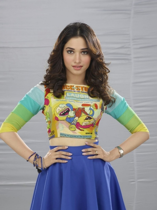 Kaththi sandai actress tamanna stills