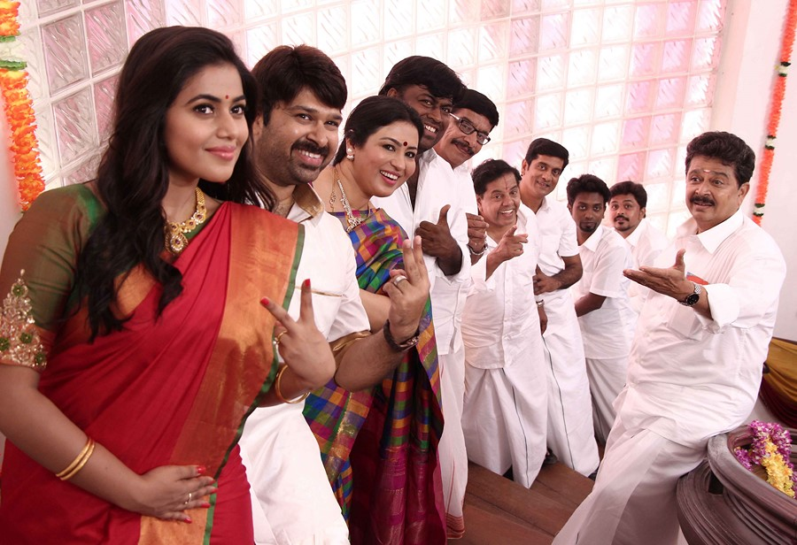 Manal kayiru 2 movie gallery