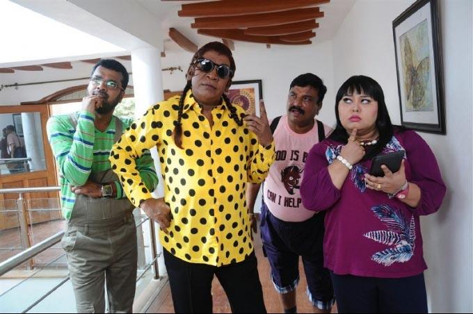 Vadivelu upcoming movie kaththi sandai pictures