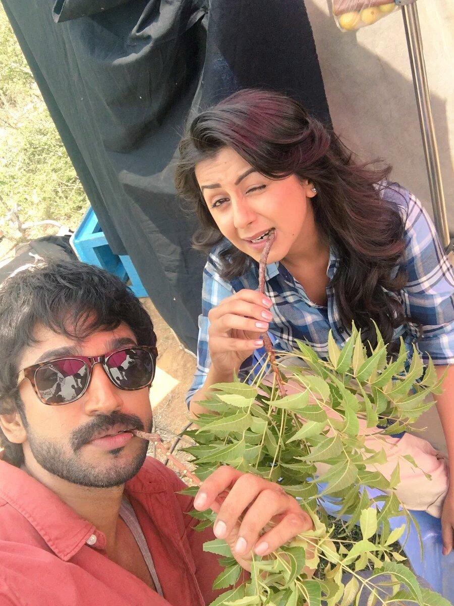 Aadhi nikki galrani selfie in maragatha naanayam film