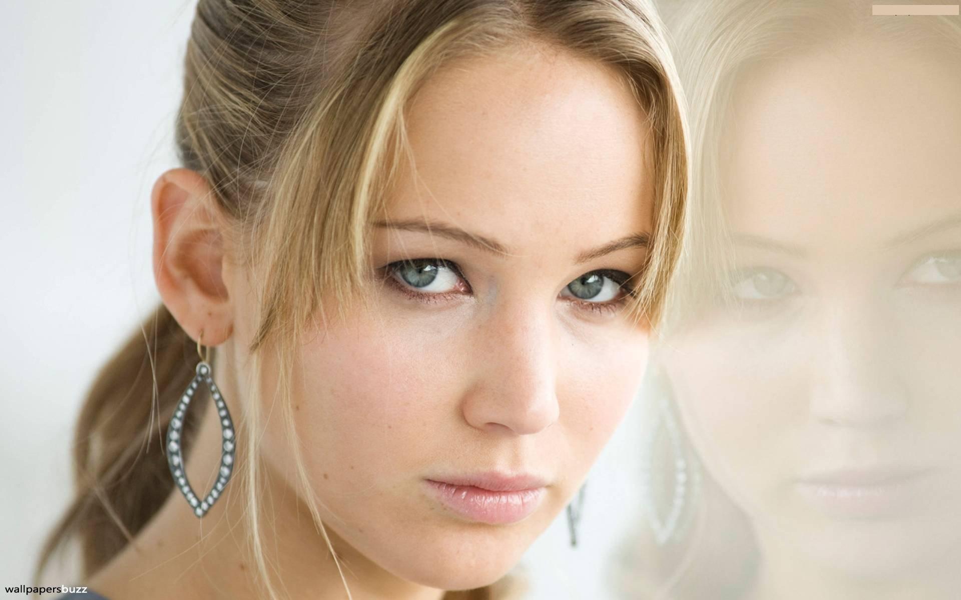 Jennifer lawrence cute face stills