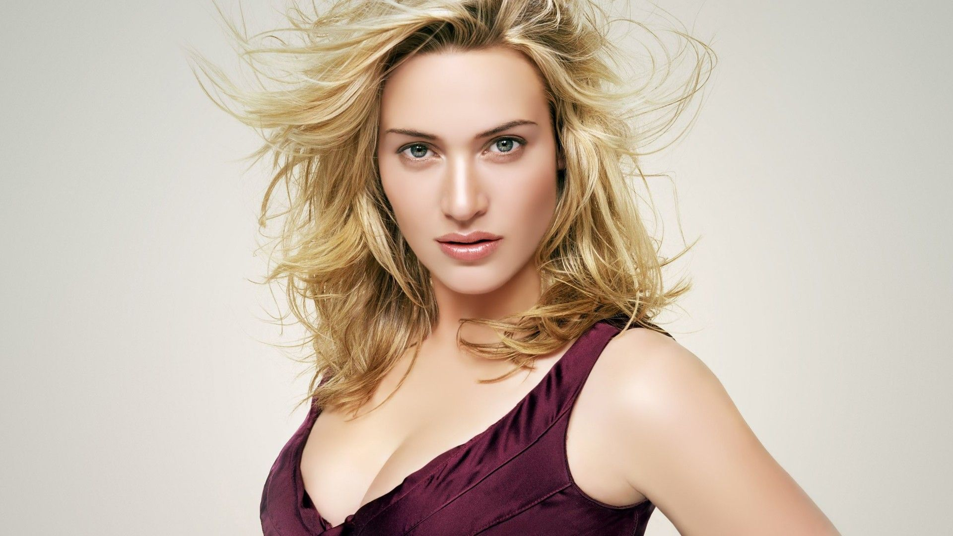 Kate winslet cute face stills