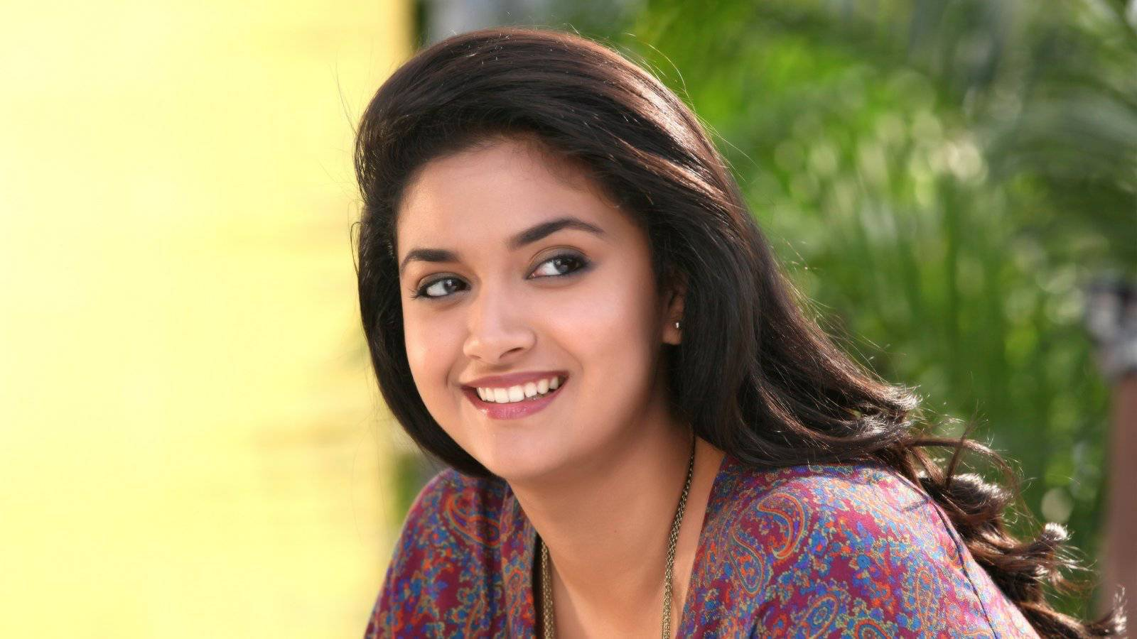 Keerthi suresh cute face pictures