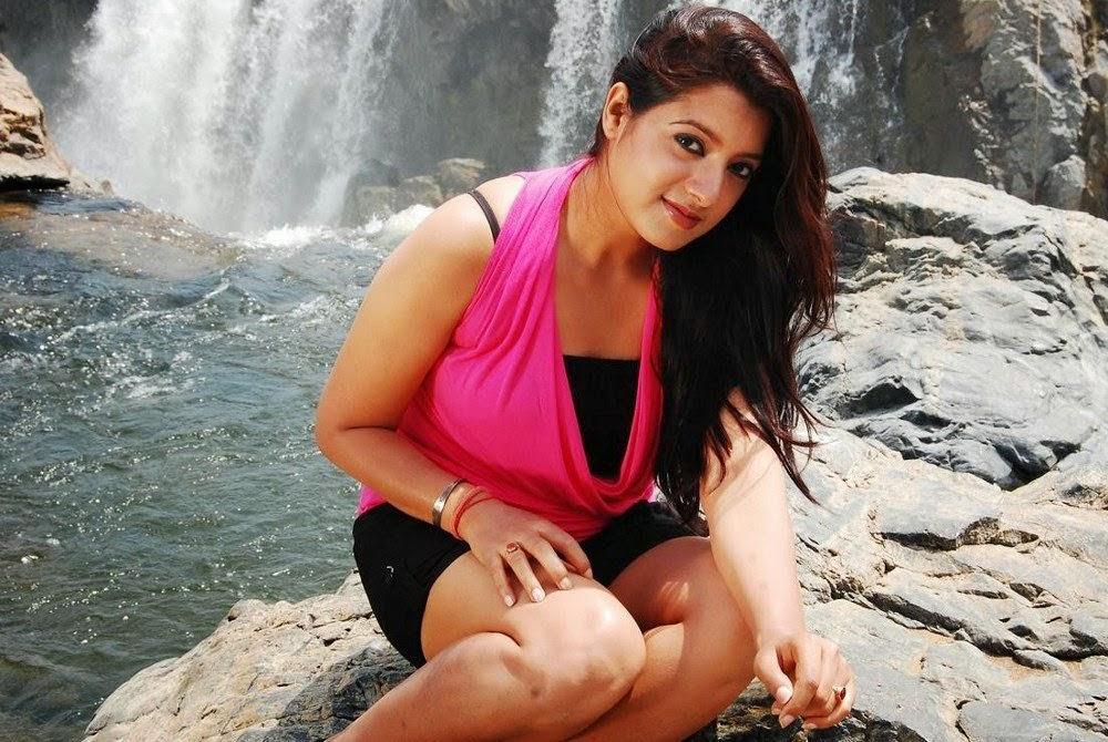Keerthi suresh red dress wallpaper