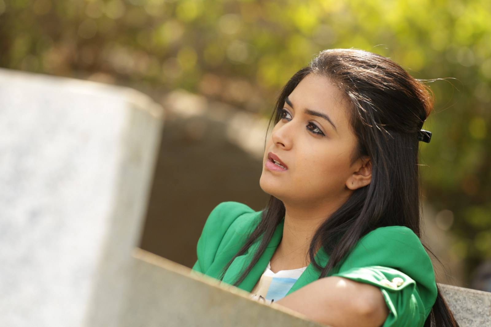 Keerthy suresh green dress hot photos