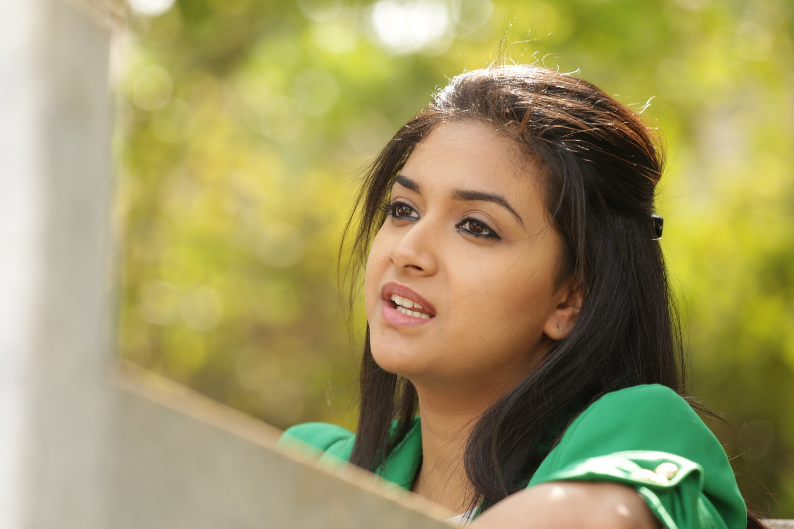 Keerthy suresh green dress photos