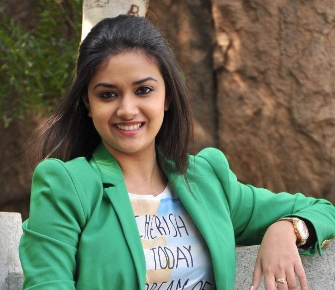 Keerthy suresh green dress stills