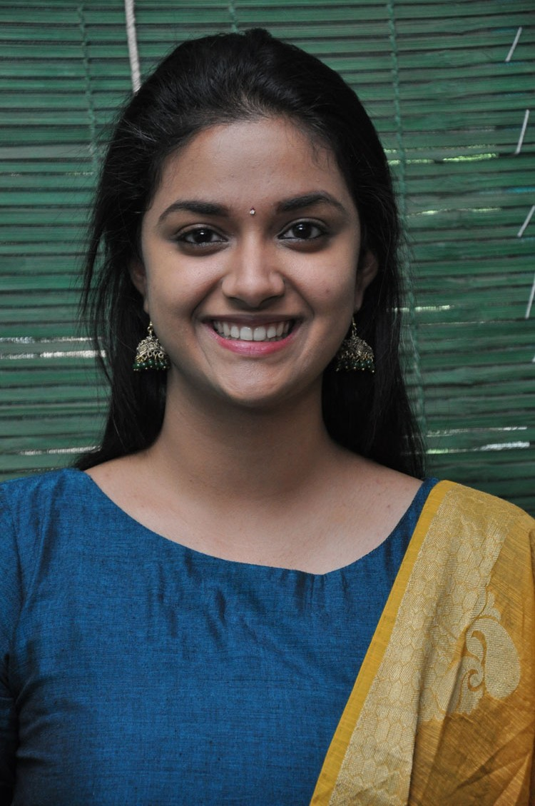 Nenu local actress keerthi suresh photos