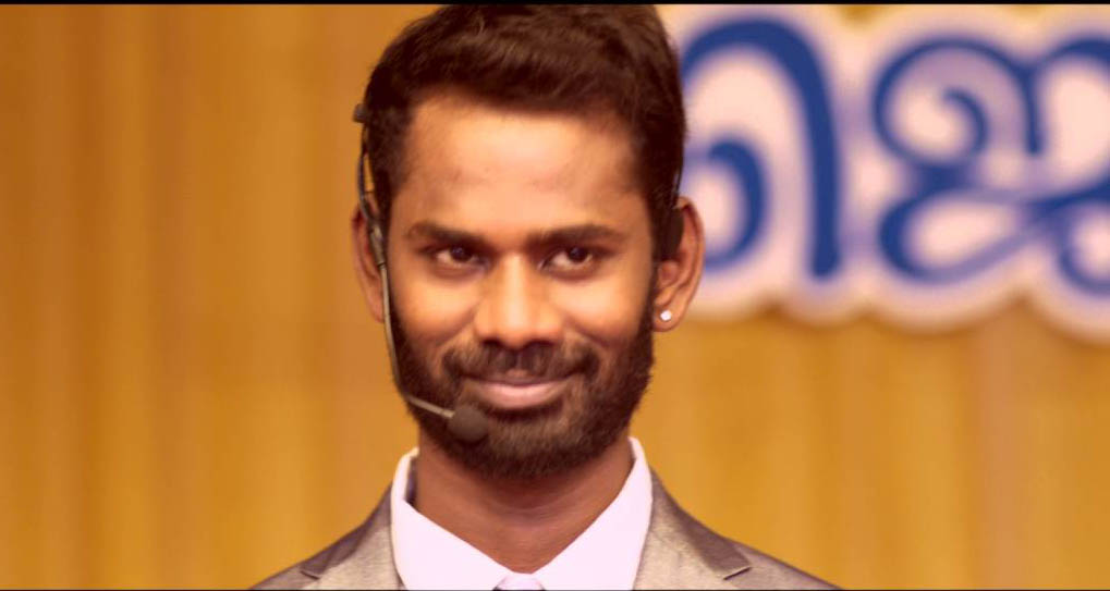 Ramesh thilak comedy actor in mo tamil film
