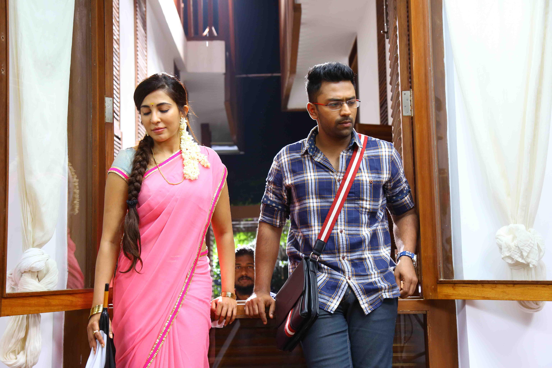 Shanthanu parvathy nair in koditta idangalai nirappuga movie