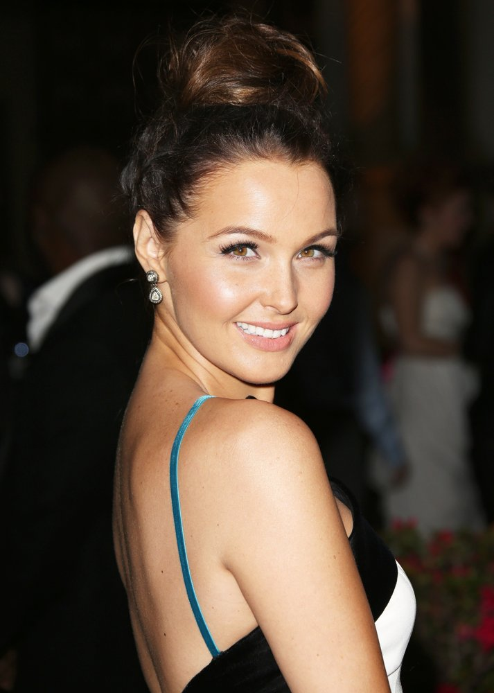 Camilla luddington back less photos