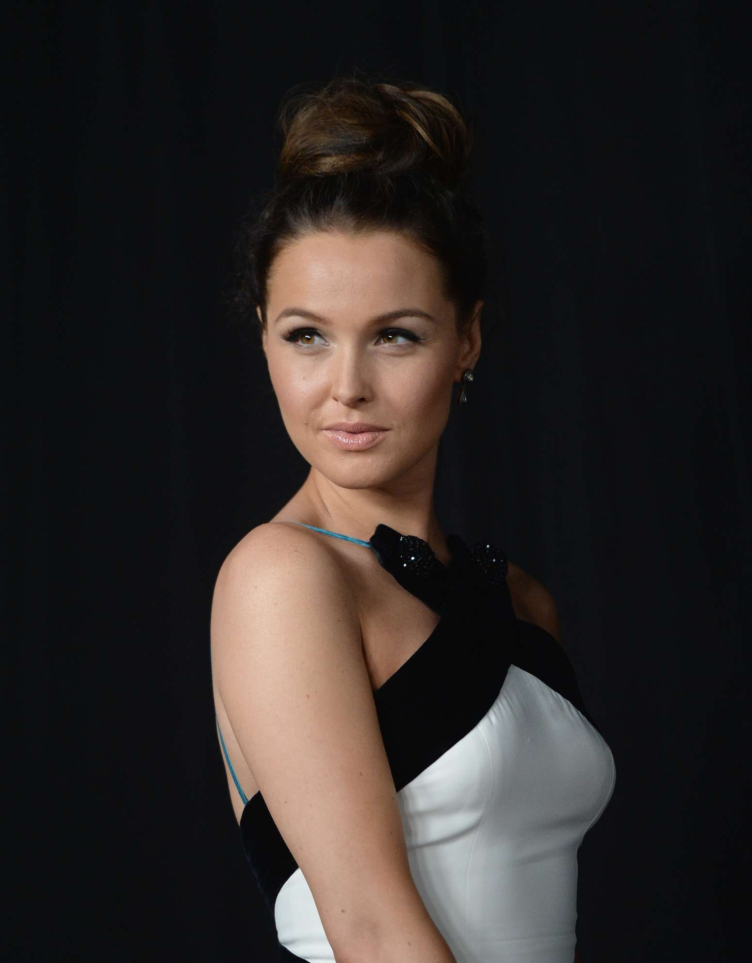 Camilla luddington cute pictures