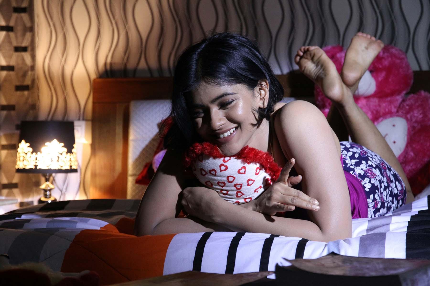 Andhhagadu actress patel pictures
