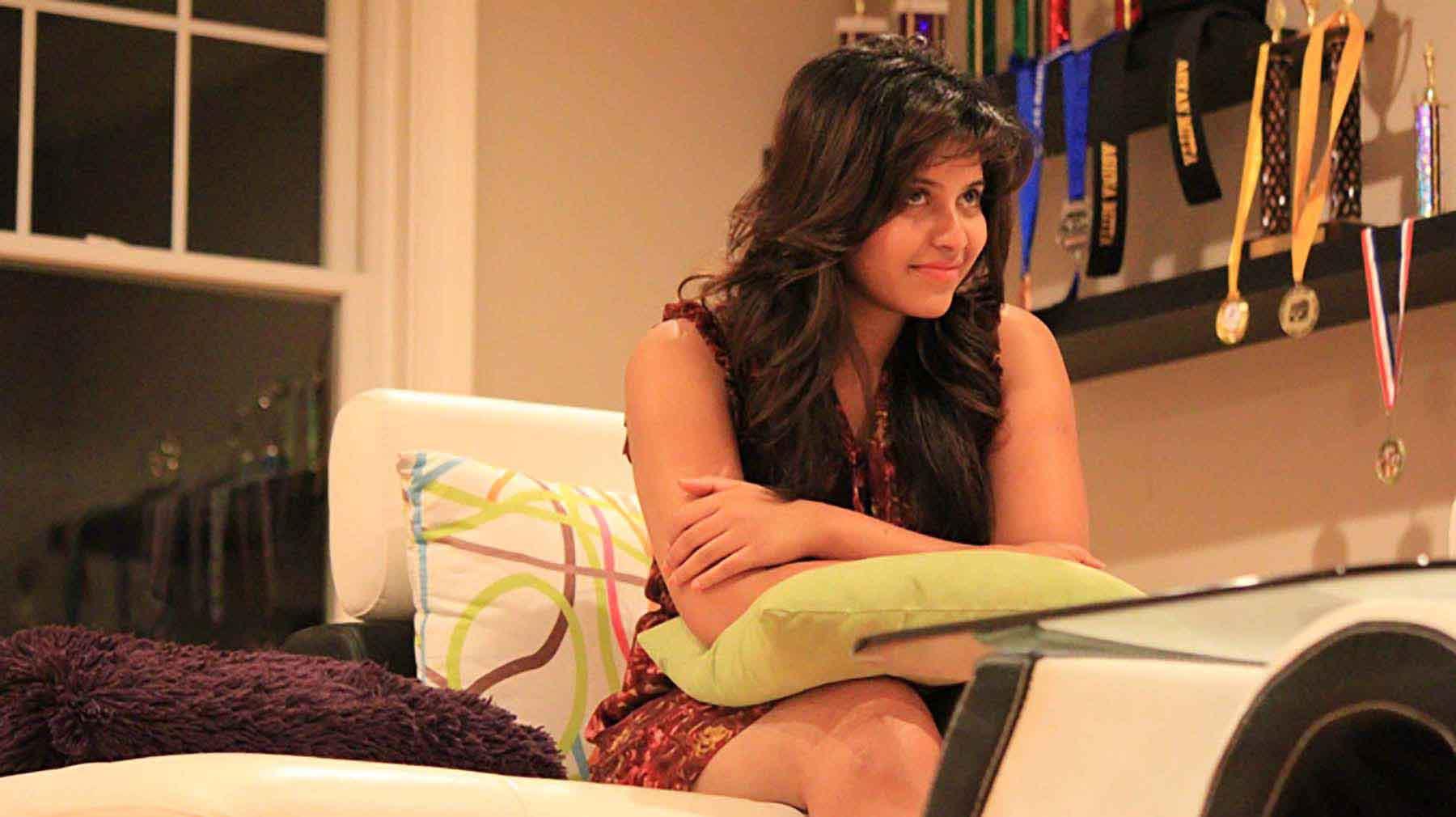 Chitrangada actress anjali pictures