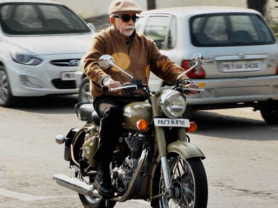 Irada naseeruddin shah bike photos