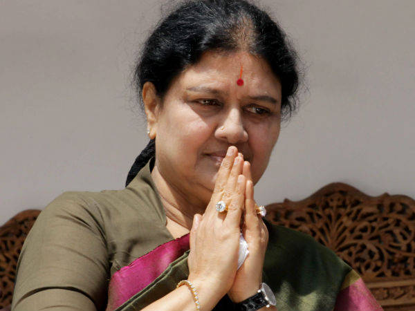 Sasikala welcome photos