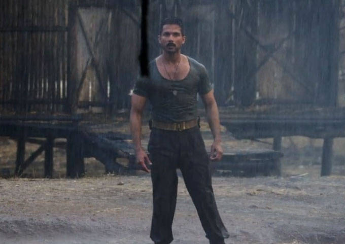 Shahid kapoor in rangoon film