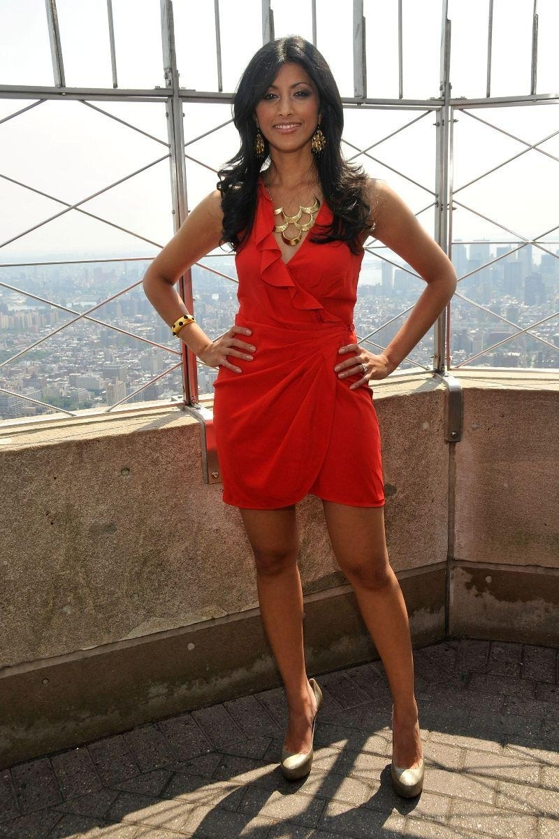 Reshma shetty red color dress images