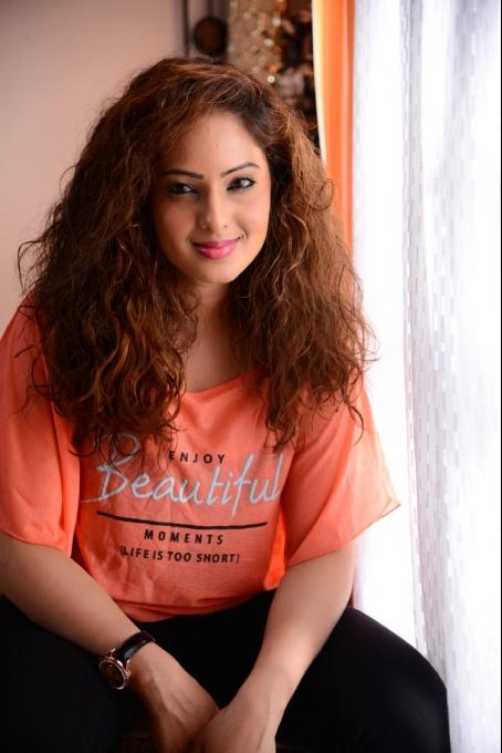 7 naatkal actress nikesha patel photos