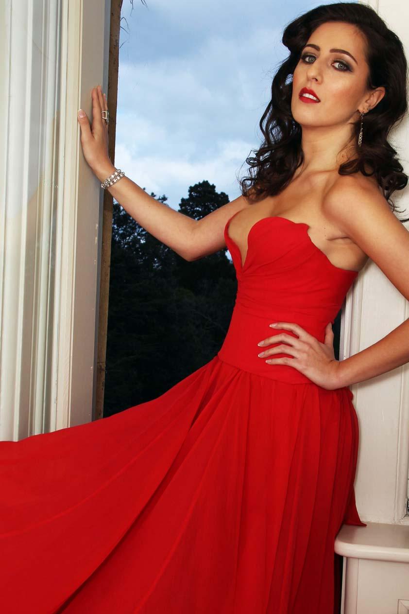 Rita ramnani red color dress photos