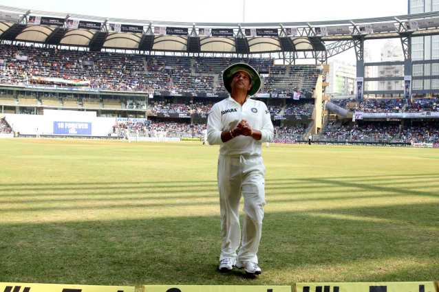 Sachin tendulkar test match cute walking stills
