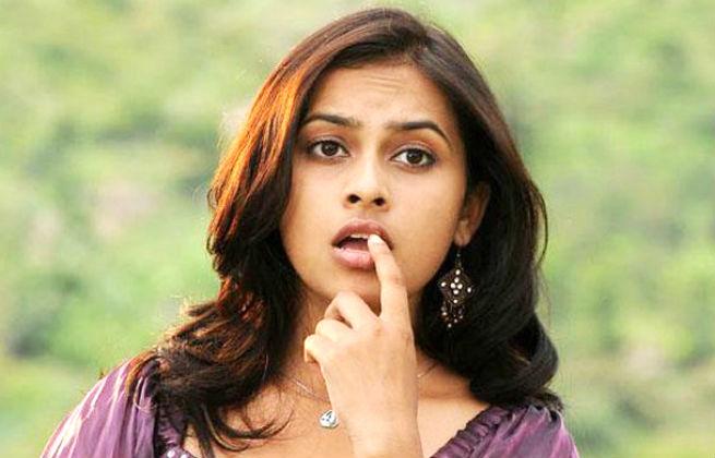 Sri divya cute face stills