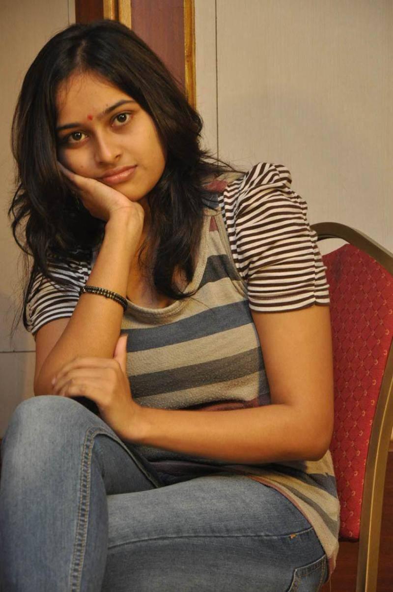 Sri divya jeans tshirt cute stills