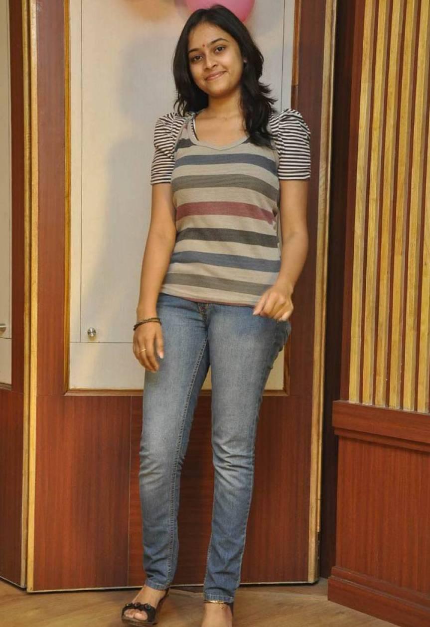 Sri divya jeans tshirt photos