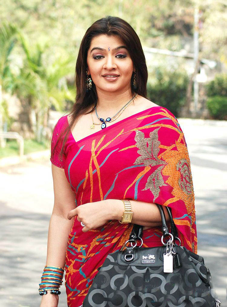 Aarti agarwal saree photos