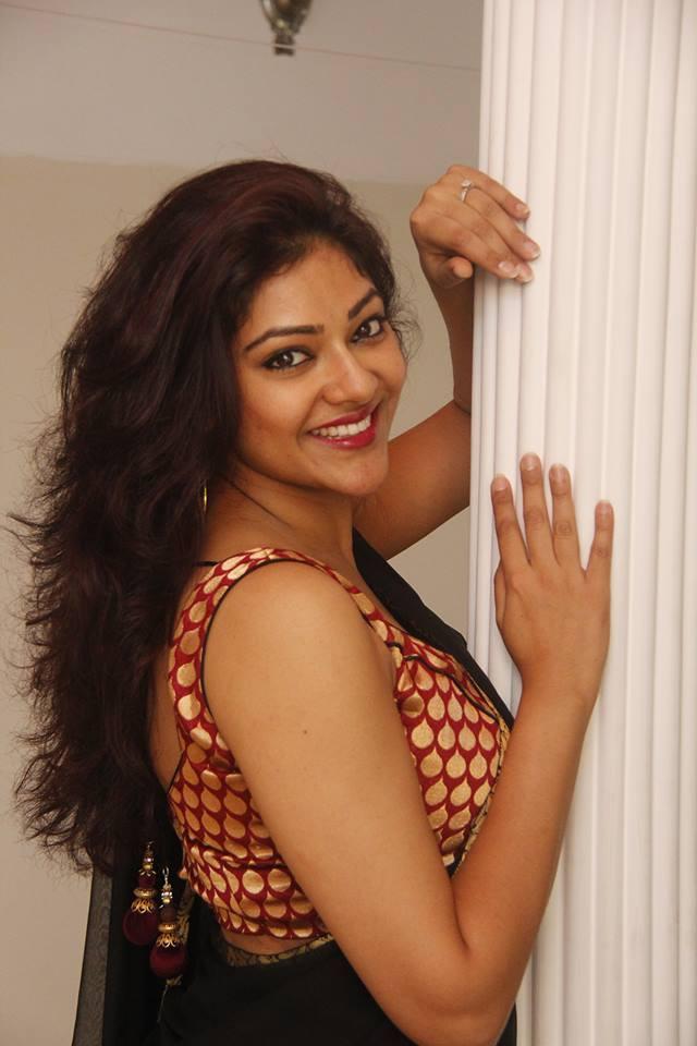 Abhirami actress cute wallpapers