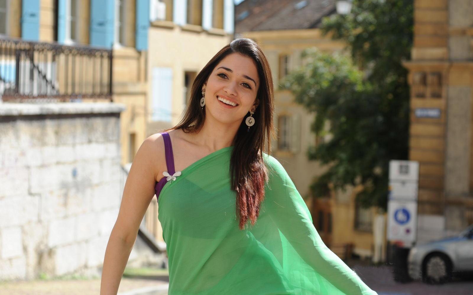 Actress tamanna green saree pictures