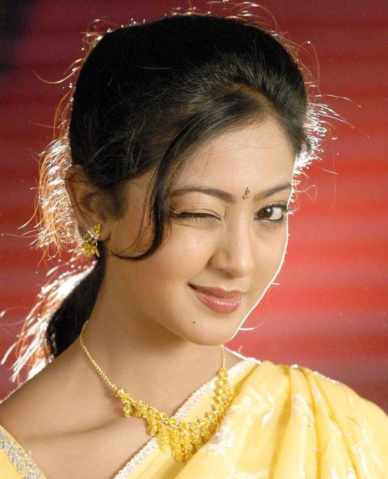 Aindrita ray cute saree face images