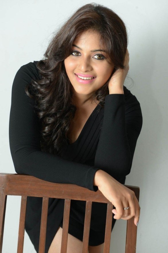 Anjali black dress photoshoot stills
