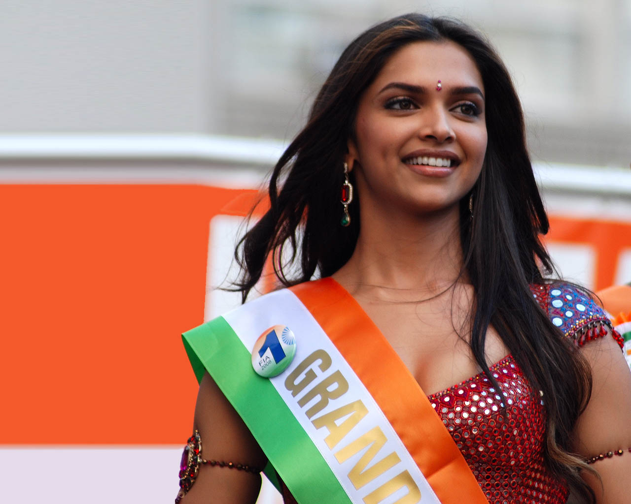 Deepika padukone figure pictures