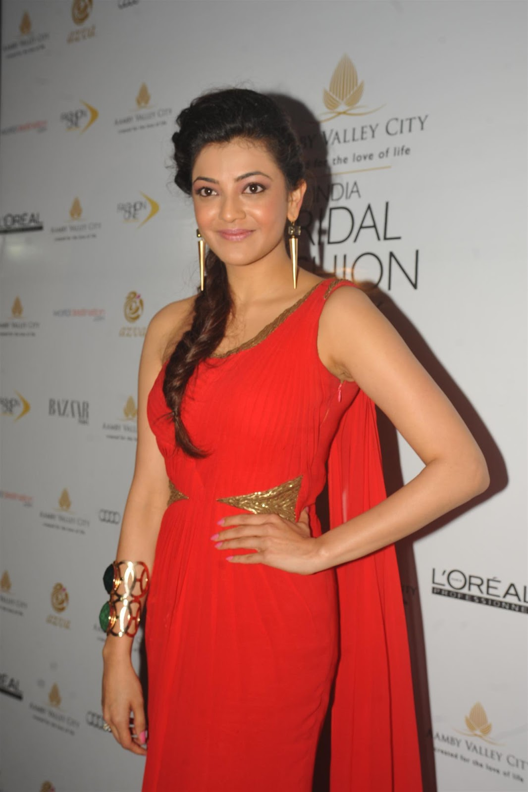 India bridal fashion kajal agarwal red dress pictures