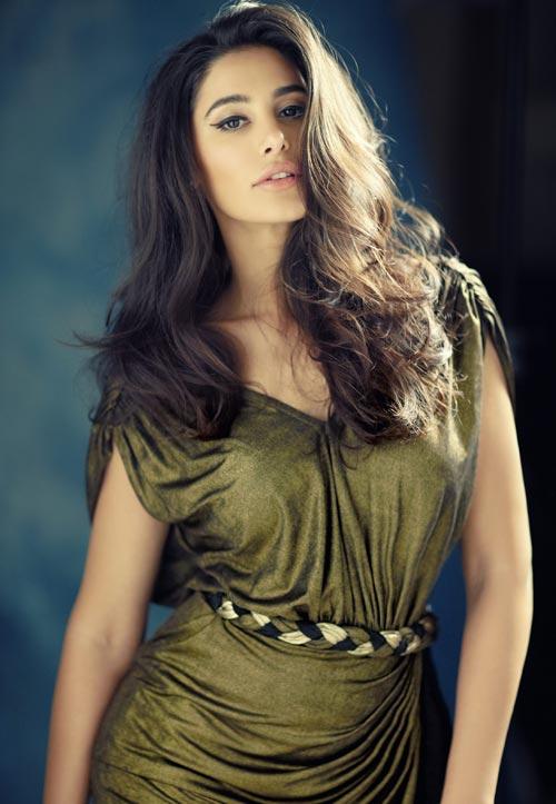 Indian nargis fakhri actress pictures