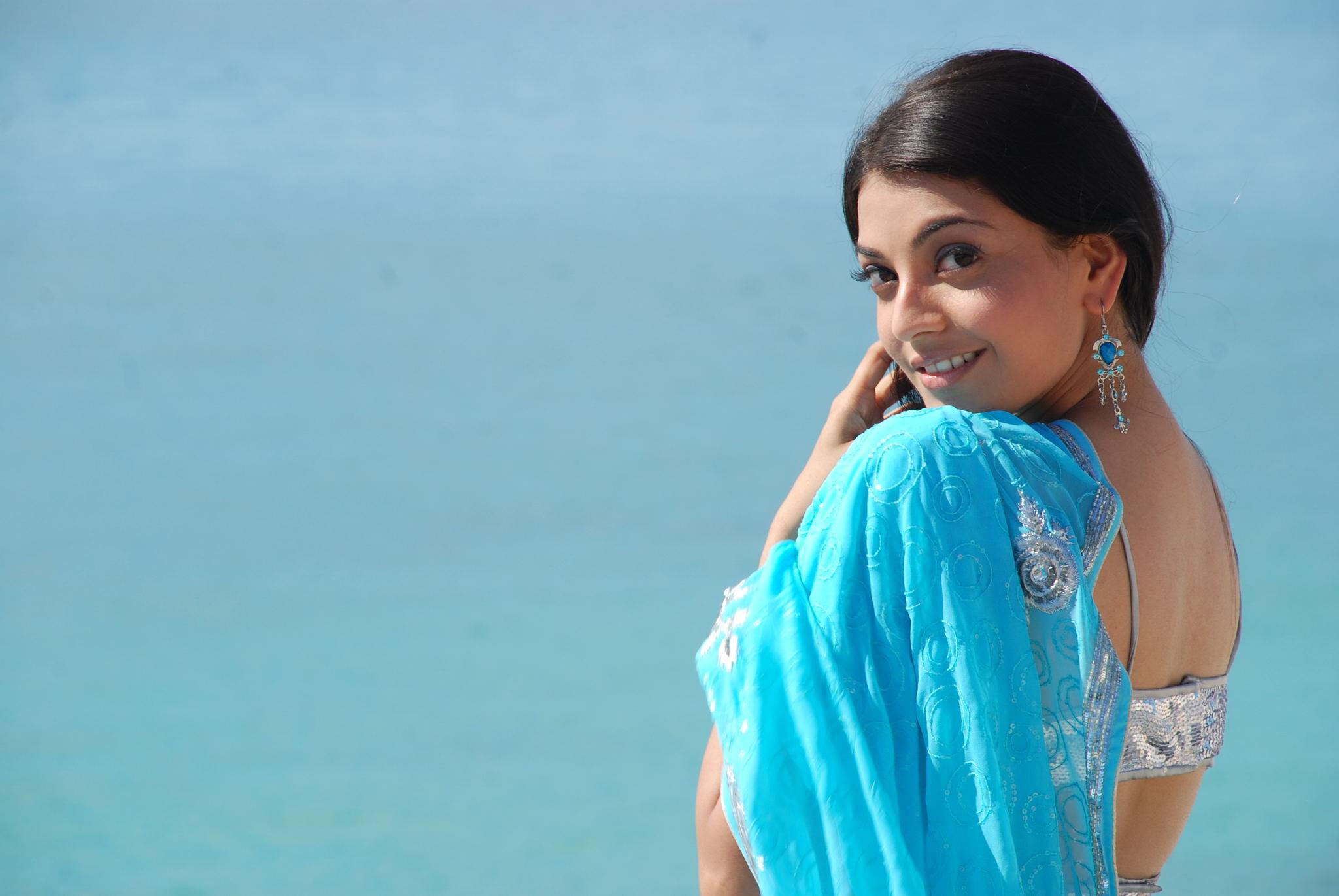 Kajal agarwal light blue saree backless
