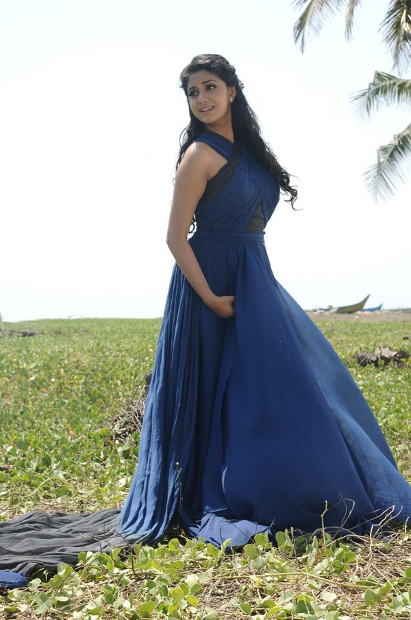 Keerthi suresh blue dress pictures